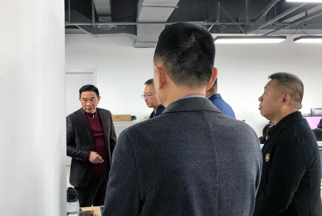 沈阳河润数据信息科技有限公司组团来我公司参观